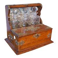 English liquor box from 1800 open in oak