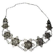 Gorgeous Vintage Silvertone Filagree Dimensional Flower Choker