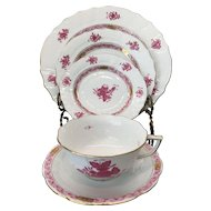 HEREND Chinese Bouquet Raspberry Five Piece Place Setting