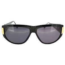 Vintage MY20 Italian ladies sunglasses with gold-tone detail (Weight: 44g)