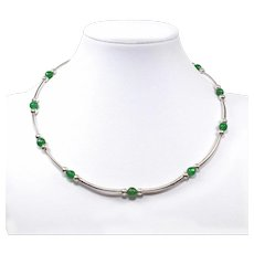 Adjustable Green Stone Choker - Beaded Gemstone Choker - Memory Wire Emerald Necklace - Silver tone and Green Beads Necklace
