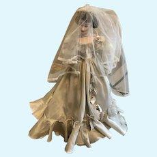 Franklin Mint - Scarlett Doll - Bride - fair condition