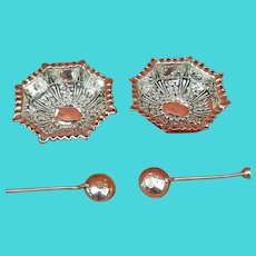 Antique Sterling Silver Pair Salts & Matching Spoons 1899 William Devenport