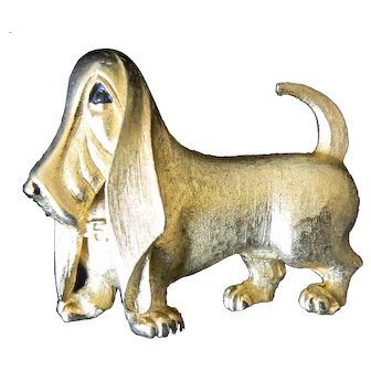Boucher Textured Gold Tone Metal Signed & Numbered Basset Hound Pin