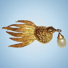 Cadora Pin Dove Holding Faux Pearl Drop