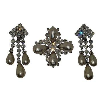 Stunning Regency Pearl & Rhinestone Brooch with Dangle Earrings