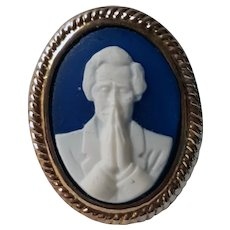 Rare Praying Abraham Lincoln Blue & White Cameo Pin