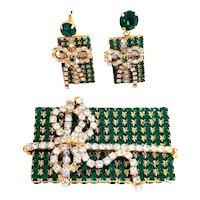 Stunning Vintage Green Rhinestone Christmas Present Pin & Earrings