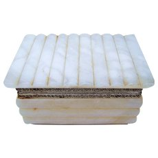 """Beautiful 1950-60's Off-White Onyx 6"""" Dresser Box Casket with Ornate Brass Colored Mountings"""