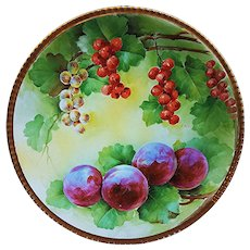 """Beautiful & Unusual Vintage Italian Ginori 1900's Hand Painted """"Red Currants & Purple Plums"""" 8-3/4"""" Fruit Decor Plate by the Artist, """"L. Pieri"""""""