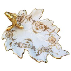 """Beautiful Blake & Henderson Limoges France 1900's Hand Painted """"Raised Gold Stenciling"""" 7"""" Fancy Scallop Nappy"""