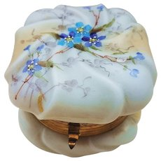 """Beautiful Vintage C.F. Wavecrest 1890's Hand Painted """"Blue & Purple Violets"""" Floral Dresser Box"""