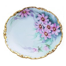 """Elegant La Seynie Limoges, P And P France 1908 Hand Painted """"Pink Daisies"""" 8-1/2"""" Rococo Style Floral Plate"""