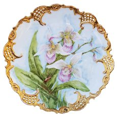 "Beautiful Leonard Vienna Austria 1905 Hand Painted ""White & Pink Water Lily"" 9"" Reticulated Floral Plate by Artist, ""H.L. Randall"""