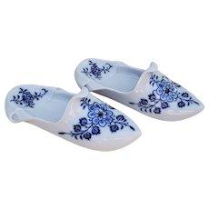 "Stunning Vintage Meissen Pre-1900 Hand Painted ""Blue Onion"" 7"" Floral Shoe"
