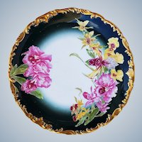 """Stunning Tressemann & Vogt Limoges France 1900's Hand Painted """"Pink & Yellow Water Lily"""" 10-3/8"""" Heavy Raised Gold Rococo Style Decor Floral Plate"""