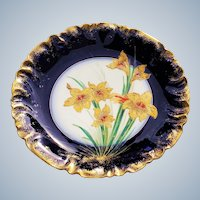 """Gorgeous Vintage GDA France Limoges 1900's Hand Painted """"Gold Water Lilies"""" 8-3/4"""" Floral Plate"""