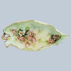 """""""Ester Miler"""" Fancy & Scallop Limoges France 1900 Hand Painted """"Peach & White Roses"""" 10-3/8"""" Leaf Mold Tray"""