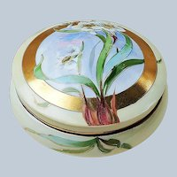 """Beautiful 6"""" Vintage Limoges France 1900's Hand Painted """"White Lily"""" Floral Dresser Box"""