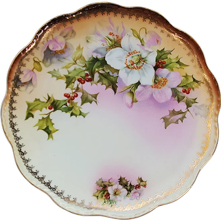 """Charming Vintage Austria 1900 """"Christmas Roses & Holly & Berry"""" 9-3/4"""" Floral Plate"""