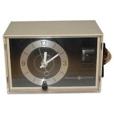 Vintage GE General Electric Alarm Clock AM Radio 1975 Model C1400A Works Great!