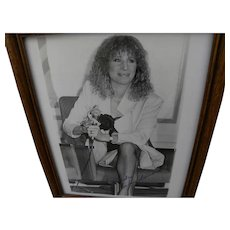 BARBARA STREISAND hand signed circa 1980 black and white photo