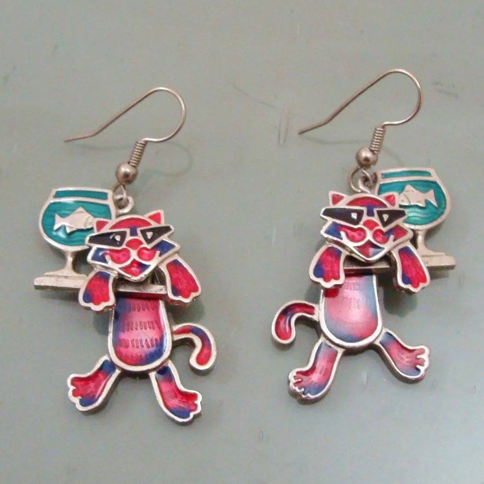 Whimsical Edgar Berebi Enamel Articulated Cool Cat Fish On Bowl Earrings Click To Expand