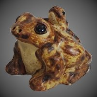 Spring Sale!! Delightful Realistic Pottery Toad w/ Baby on Back