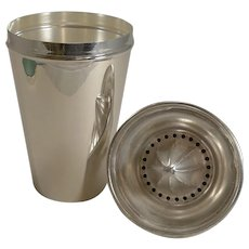 Smart Large Art Deco Cocktail Shaker Retailed by Thomas Goode, London c.1930
