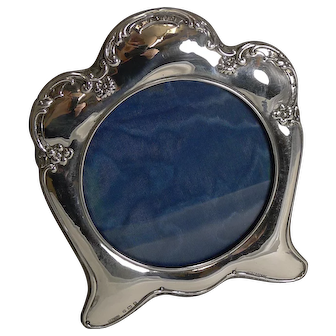 Stylish Antique English Art Nouveau Photograph Frame in Sterling Silver