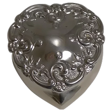 Antique English Heart Shaped Pill Box In Sterling Silver - 1905