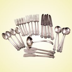 Impressive set of Lunt English Shell 24-piece sterling set, service for four