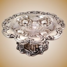 Beautiful compote or tazza by Walker & Hall, sterling silver, c. 1898