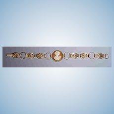 Vintage Lovely  Cameo Bracelet.