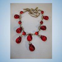 VINTAGE Deep Wine Cabochon Droplet Necklace Un-sign Beauty