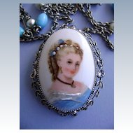 VINTAGE Limoges Hand-Painted Brooch/Pendant Pretty Blues