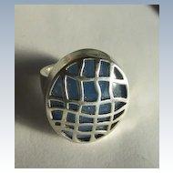 VINTAGE Sterling Lacy Sterling Cover Blue Gem Ring Size 7