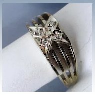 VINTAGE 14K White Gold Ring with 5 Small Diamonds  Size  7