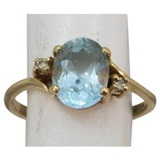 VINTAGE 14k Aquamarine Sweet Sixteen ring with two accent Diamonds