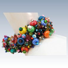 VINTAGE Bracelet of Many Colored Beads and Magnet Closure