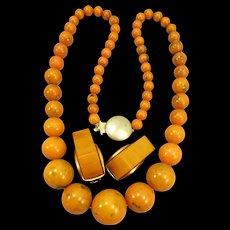 VINTAGE Bakelite Beaded Necklace  With Damaged Earrings