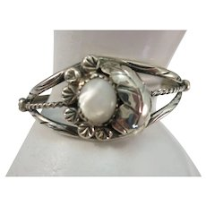 VINTAGE Mother of Pearl and Sterling Charming Bracelet