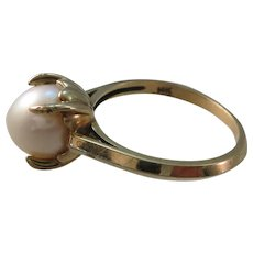 VINTAGE 14k Yellow Gold Pearl Ring Beautiful  Size 6