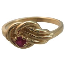 VINTAGE 14k Yellow Gold Lovers Knot with a Natural Ruby  Size 6 1/4  14K Yellow Gold