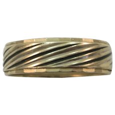 VINTAGE 10K Yellow Gold Wedding Band with a Little Black Size 10 3/4