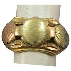 VINTAGE  Black Hills Gold Signet Ring 10K   Great Pinkie Ring Size 4 1/2