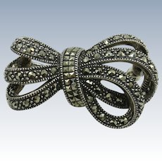 Judith Jack Small Collar Bow Brooch Gleaming Marcisites!