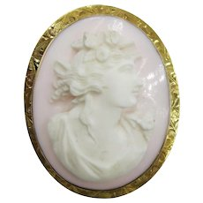 VINTAGE Angel Skin Coral Hand Carved Cameo Brooch  in Italy 10K Yellow Gold