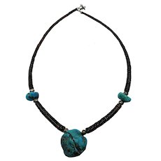 VINTAGE Native American Turquoise and Heishi Necklace