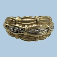 VINTAGE Lovely Size 6 10k yellow Gold Band